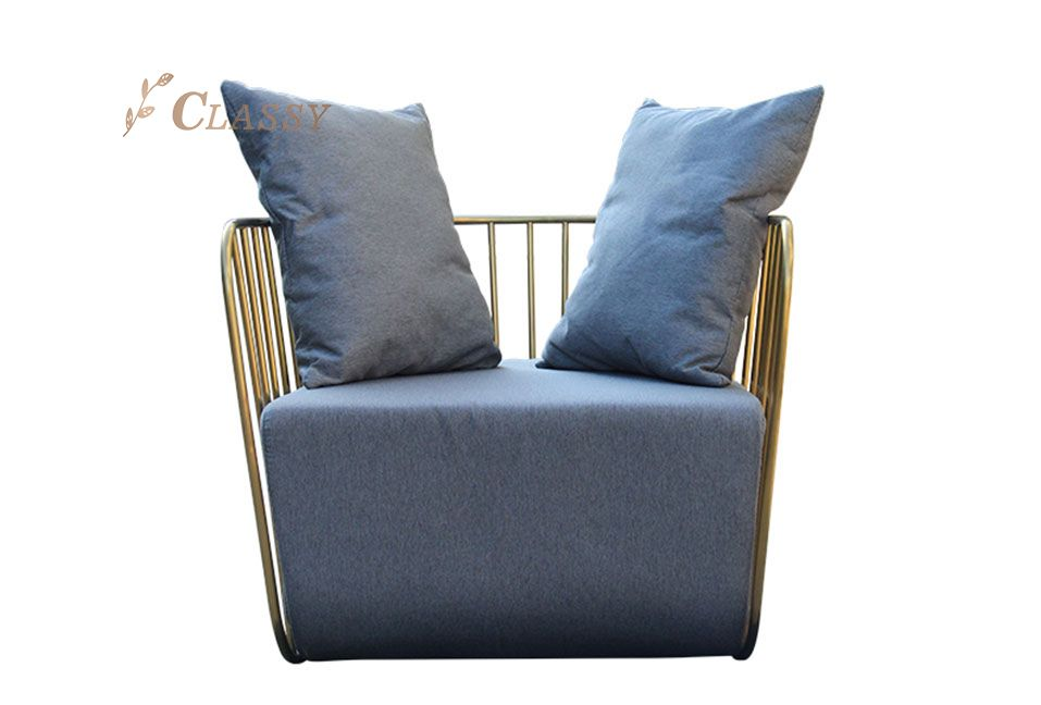 Soft Padded Seating Metal Frame Armchair
